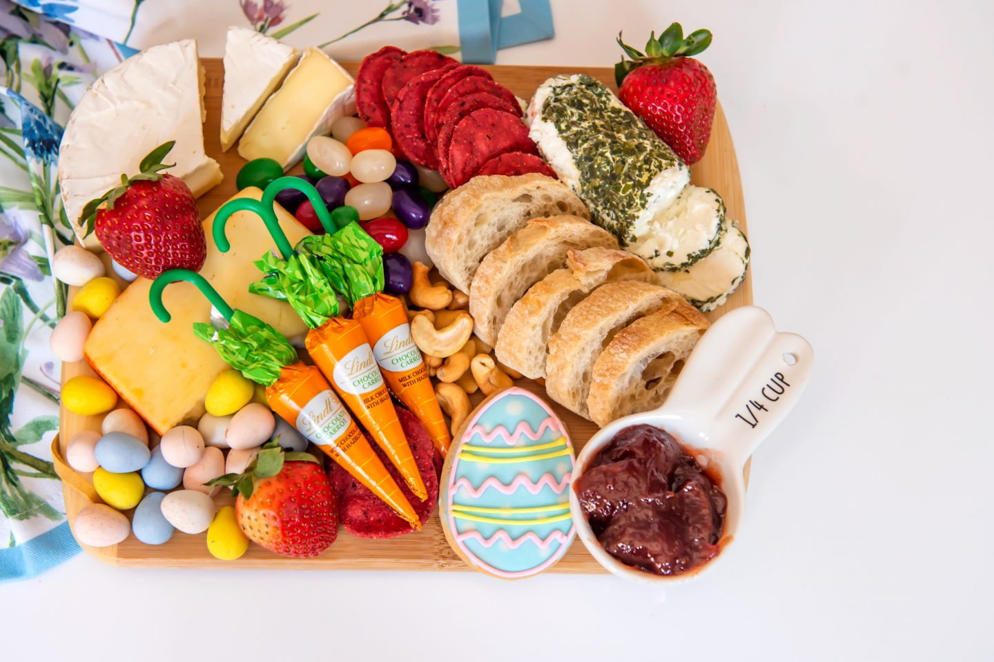 How to Host the Best Easter Dinner Party in 2021